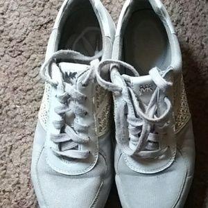 Michael Korr's shoes size 8